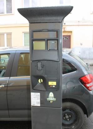 Turek. W strefie płatnego parkowania stanęły w końcu parkomaty