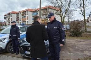 Trzy nowe radiowozy przekazane do dwóch gmin pow. konińskiego