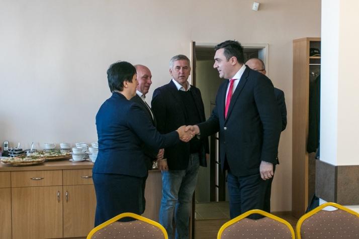 Ambasador Gruzji w Rzgowie. Wójt przekazał mu list intencyjny