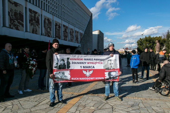 Marszem upamiętnili Żołnierzy Wyklętych. Hymn pod pomnikiem