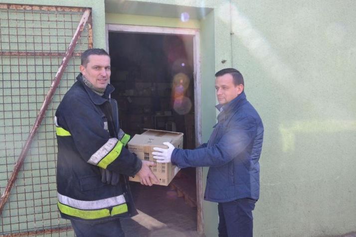 Pierwsza partia darów ze zbiórki trafiła do konińskiego szpitala