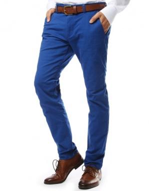 Modne spodnie męskie – chinosy