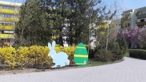 Konin. Wielkanocne ozdoby stanęły pomiędzy blokami na Zatorzu
