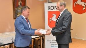 Prezydent przekazał oficjalnie laptopy dyrektorom konińskich szkół