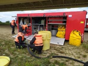 Konin. Strażacy przez kilka dni prowadzili ćwiczenia nad Wartą
