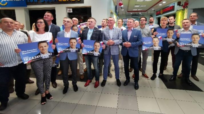 Sympatycy Rafała Trzaskowskiego wierzą w zwycięstwo