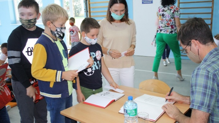 Dzieci z gm. Golina spotykają się z autorami ulubionych książek