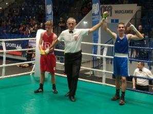 Mistrzostwa Polski Juniorów. Witkowski wygrał pierwszą walkę