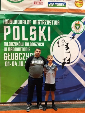Adam Winciaszek w ćwierćfinałach w grze pojedynczej i podwójnej
