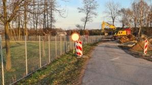 Gmina Rychwał. Trwa przebudowa przepustu przez Czarną Strugę