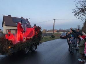 Korowód Świętego Mikołaja przejechał przez całą gminę Rychwał