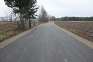 Stary Borowiec. Mieszkańcy doczekali się pierwszej drogi asfaltowej