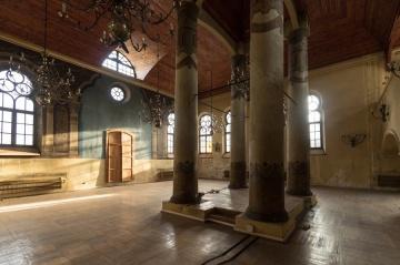 1608143038-j7pnzn-synagoga23.jpg