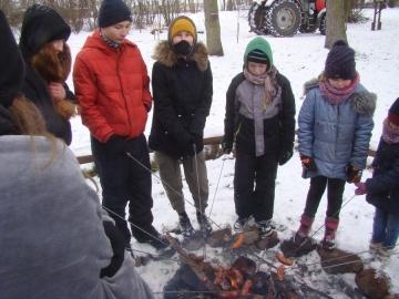 Radolina. Na koniec ferii zorganizowali dzieciom kulig i ognisko