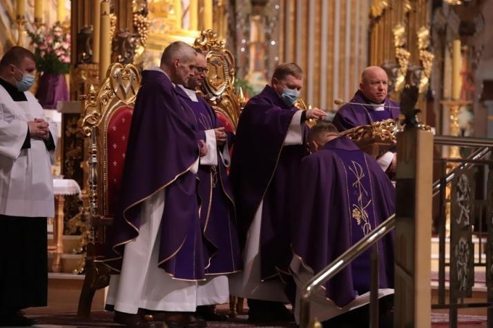 Środa Popielcowa. Dla katolików rozpoczyna się Wielki Post