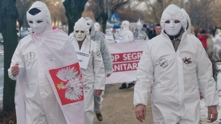 Konin. Marsz przeciwko szczepieniom i covidowym obostrzeniom
