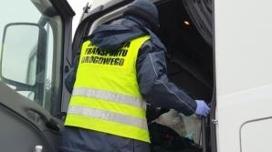 Żdżary. Kierowca ciężarówki ukarany za rozmawianie przez telefon