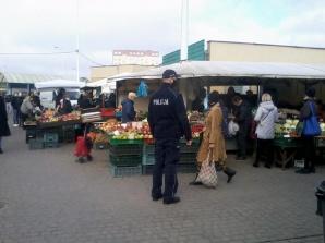 Wielkanoc 2021. Policjanci kontrolują przestrzeganie obostrzeń