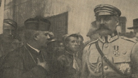 Konin. Tablica z wizerunkiem Józefa Piłsudskiego w Domu Zemełki