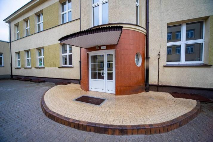 Przebudowa budynku Zespołu Szkolno-Przedszkolnego w Ślesinie w ramach zadania: Przebudowa budynków ZSP w Ślesinie