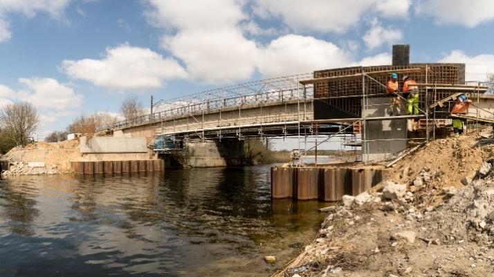 Przygotowania do budowy nowej konstrukcji mostu w Bernardynce