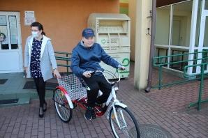 Rychwał. Rower dla ucznia SOSW za zbiórkę niepotrzebnej odzieży