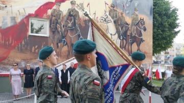 Patriotyczny mural na ścianie