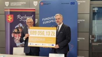 Gmina Rychwał z dofinansowaniem na budowę drogi pieszo-rowerowej