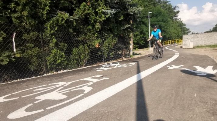 Konin. Nowa droga pieszo-rowerowa łączy Morzysław z Laskówcem