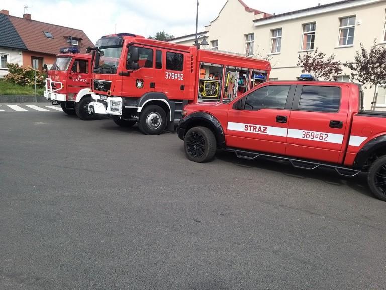 Strażacy-ochotnicy zebrali 20 litrów krwi. Były pokazy i nagrody
