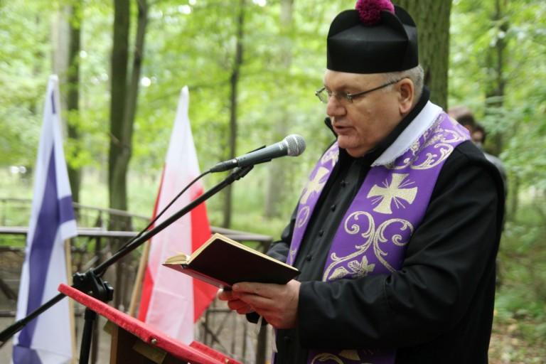 Przedstawicielka Ambasady Izraela na uroczystościach w lesie Rudzickim