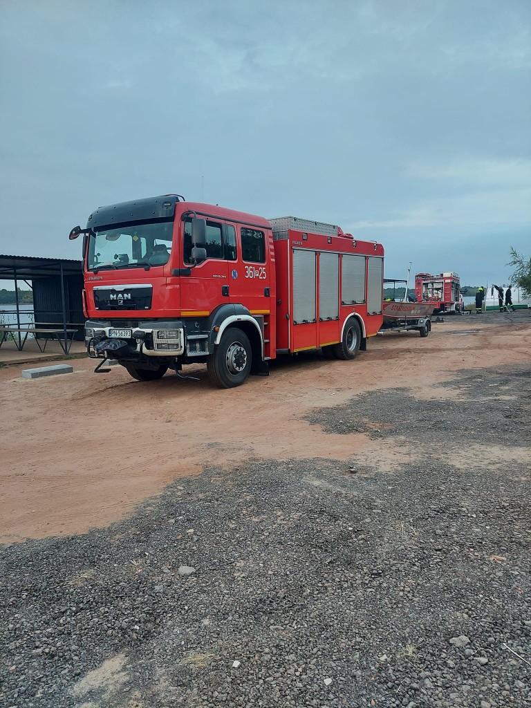 Strażacy ze specjalistycznym sprzętem nadal w Honoratce. Trzeci dzień poszukiwań nurka