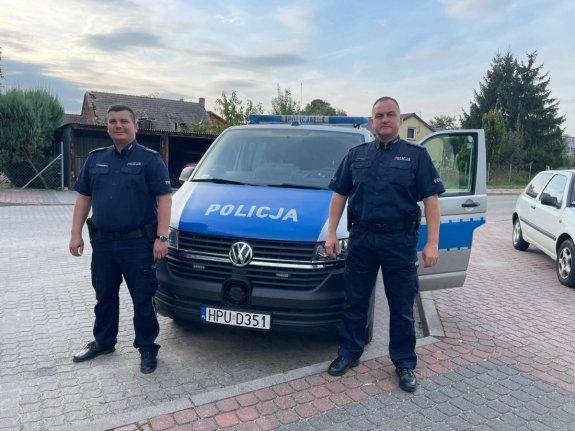 Policjanci siłą ściągnęli z torów 37-letniego mieszkańca powiatu konińskiego