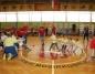 Przedszkolaki szaleją podczas sportowej rywalizacji w hali Rondo