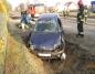 Wypadek w Międzylesiu. Renault zjechał do przydrożnego rowu