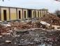 Budynek po noclegowni powoli znika z powierzchni ziemi