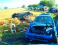 Samochody zderzyły się na prostej drodze. Trzy osoby ranne
