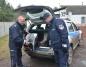 Sompolno. Policjanci z paczkami dla potrzebujących rodzin