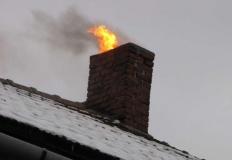 Uwaga na sadzę! Co trzeci pożar powstaje w lokalu mieszkalnym