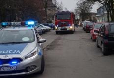 Słupca. Policjanci i strażacy sprawdzali parkowanie na osiedlach