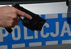 Konińscy policjanci są szkoleni jak i kiedy używać paralizatora