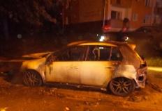 Konin. Pożar samochodów przy ulicy Powstańców Wielkopolskich