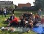Konin. Integracja na boisku, czyli śniadanie na trawie w I LO
