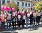 Konin. Różowy marsz na placu Wolności. Profilaktyczny happening