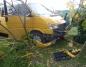 Kosewo. Samochód wjechał w płot. Jedna osoba trafiła do szpitala