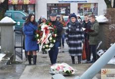 Złożyli kwiaty na pomniku w 73. rocznicę wyzwolenia Kłodawy