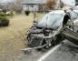 Wypadek w Lisewie. Nissanem micrą uderzył w dwie ciężarówki