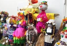 Marzanny zrobione przez przedszkolaków można oglądać w galerii