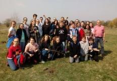 Koło. Młodzież ze szkół podstawowych posadziła nowe drzewa