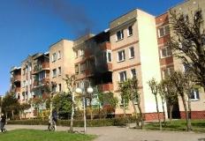 Konin. Pożar na balkonie. Nie przedostał się do mieszkań w bloku